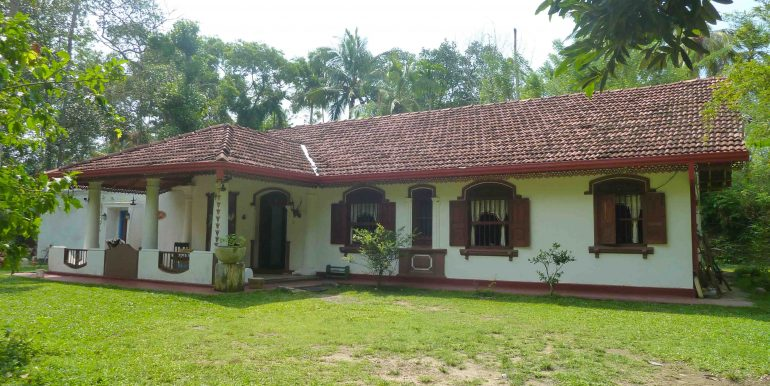 Antique house in tranquil area-8