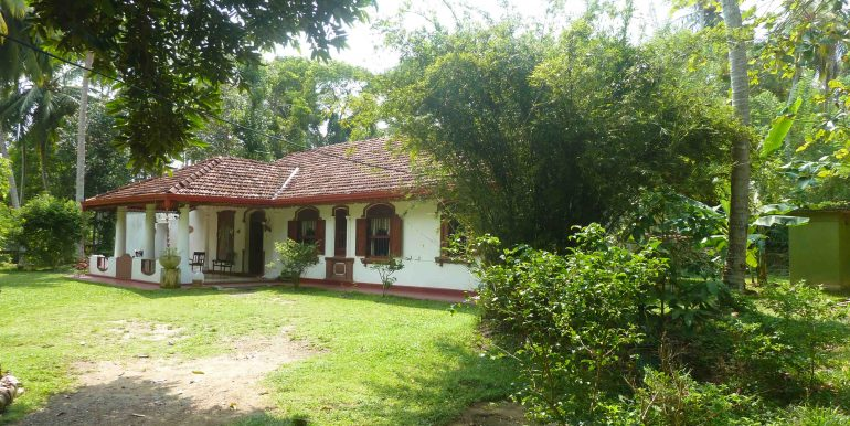 Antique house in tranquil area-9