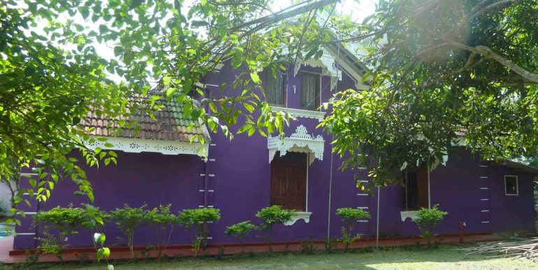 Antique house in peaceful area-3