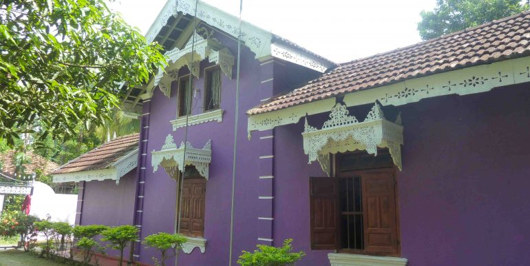 Antique house in peaceful area-5