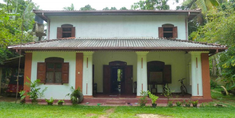 Colonial house in tranquil area-1