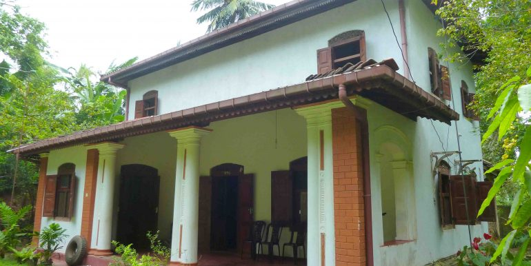 Colonial house in tranquil area-2