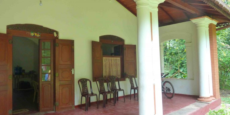 Colonial house in tranquil area-3