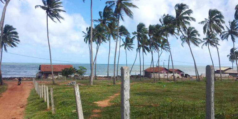 Cheapest-Offer-of-Perfect-beach-Land-1