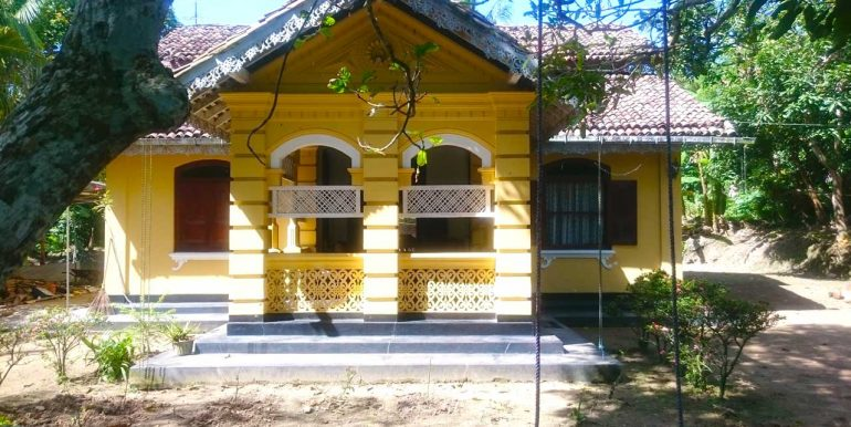 Pretty Colonial House among Paddy Fields-1