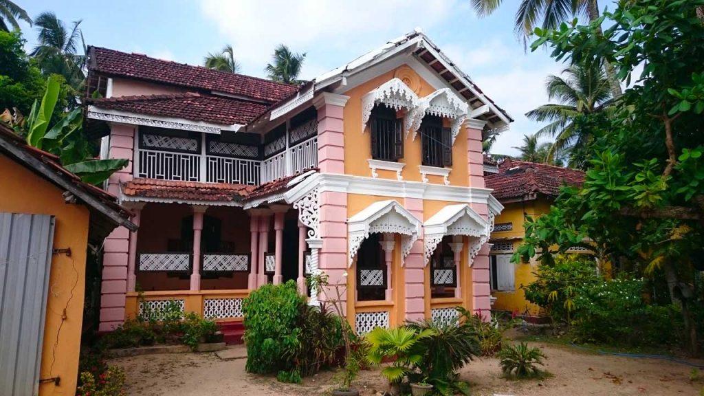 Spacious Colonial House close to the beach