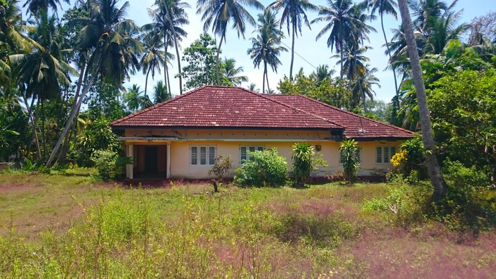 Strategically Positioned House  Close to the Beach and Town