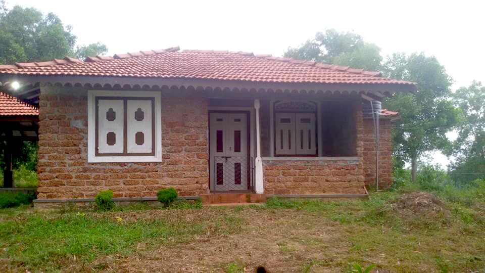 Pretty Small House with Good Views - South Sri Lanka Property