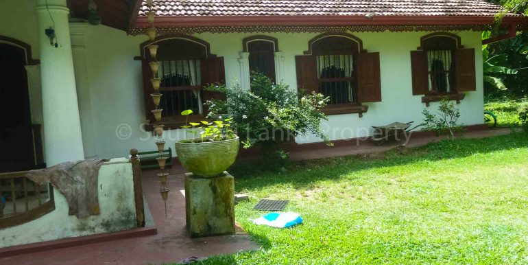 Antique House with Large Garden (3 of 7)