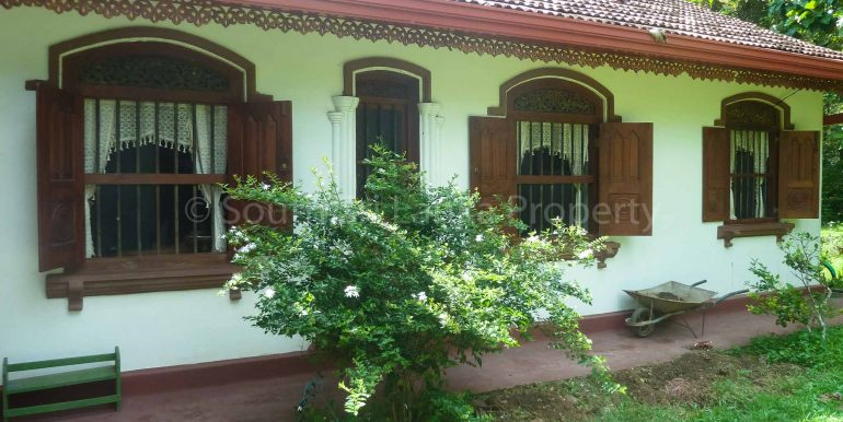 Antique House with Large Garden (5 of 7)