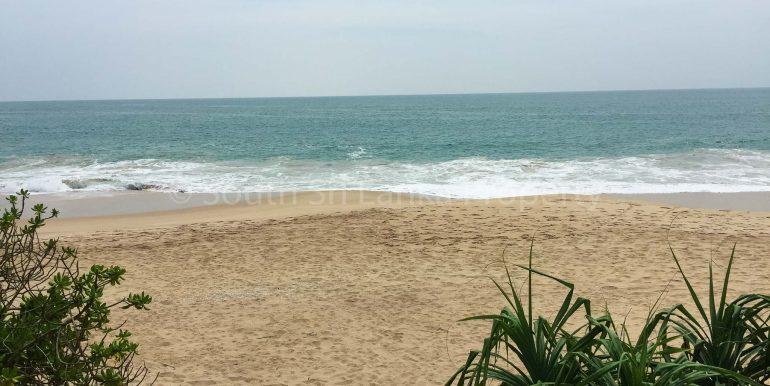 Beach Plot in Rekawa (5 of 8)