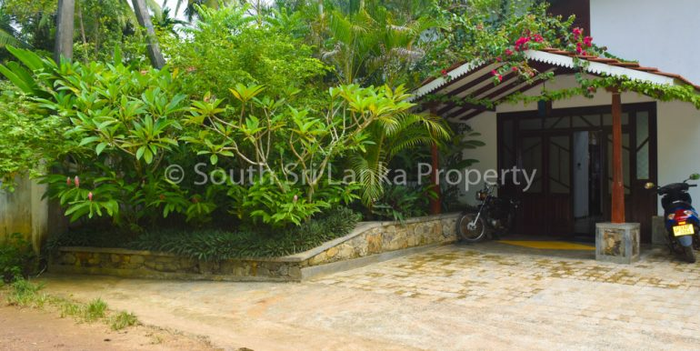 Newly Built Villa in Superb Location-17