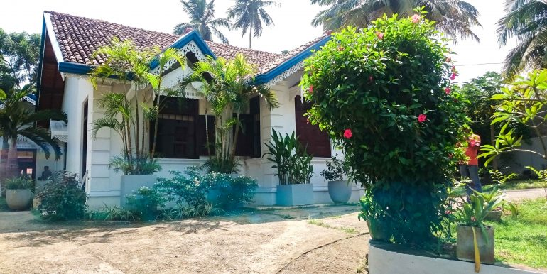Stunning Colonial Villa with Swimming Pool and Large Garden (1 of 5)