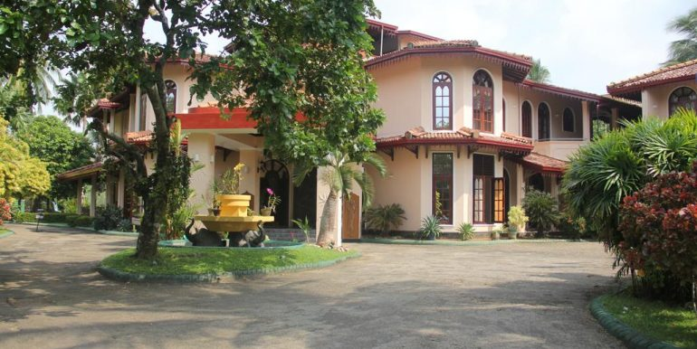 Established Hotel with Superb Rating and Steady Income-5