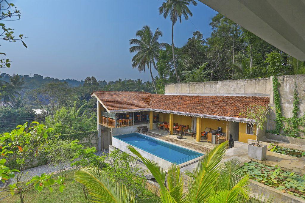 Modern Classic Hotel Near Kandy