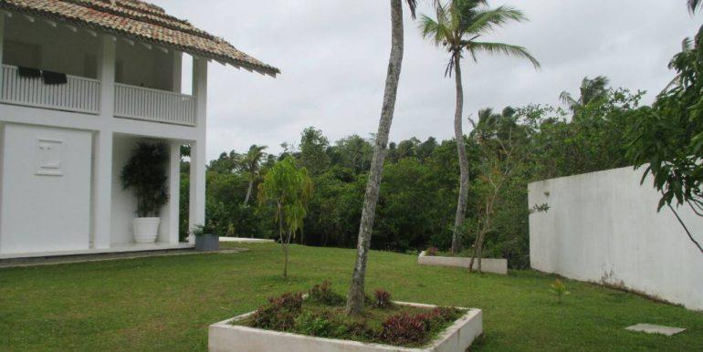 Cheap Mirissa Villa near the Beach-6