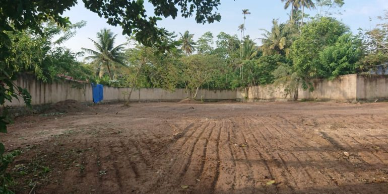 Valuable land in Superb location-4
