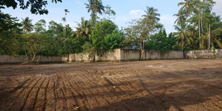 Valuable land in Superb location-5