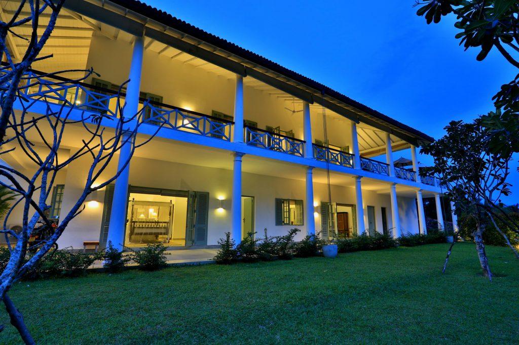 Super-lux colonial villa in prestigious location