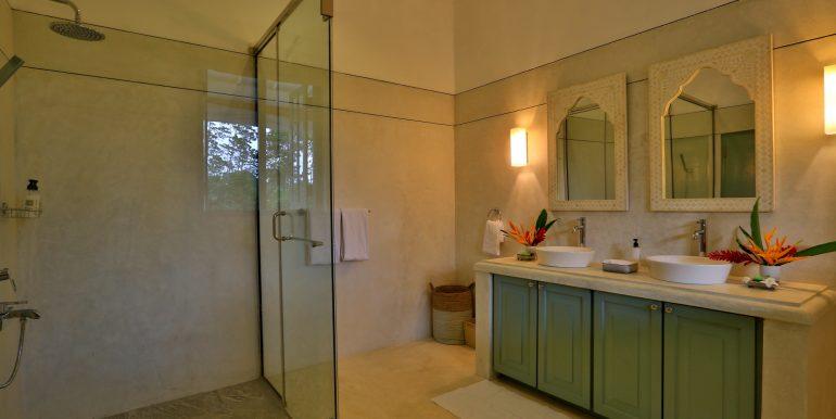 bathroom CK8A4298