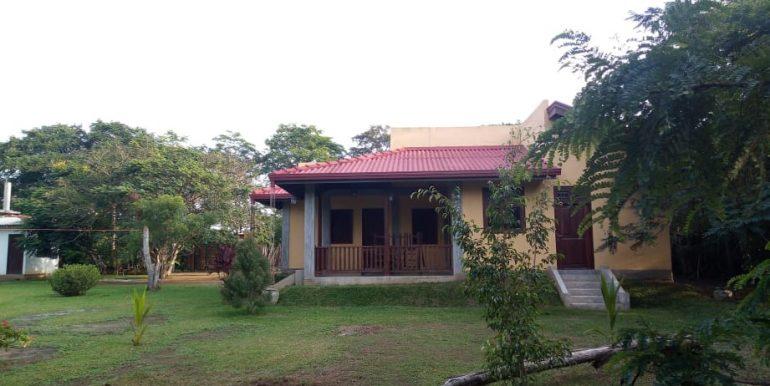 lagoon house - exterior 2